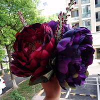hot pink braut blumenstrauß groihandel-Neue handgemachte Pfingstrose künstliche Braut Dunkelrot Bouquet Pink Peony Holding Blumen Brautjungfern Pink Peony Bouquet