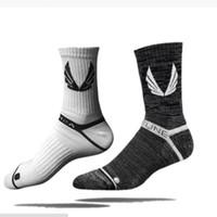 ingrosso calzini di caviglia degli uomini di bambù-Nuovi calzini uomo pantofole in fibra di bambù antiscivolo in silicone invisibile barca primavera calzini estate maschio caviglia 18 pz = 9 paia / lotto