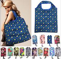 saco de dobra de nylon das senhoras venda por atacado-Sacos de compras à mão dobráveis de nylon com o malote de Tote reusável do gancho Recicl bolsa de armazenamento Sacos de dobramento Eco-amigáveis para as senhoras das senhoras das mulheres quentes
