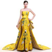 robes chinoises modernes achat en gros de-Robe de soirée sans bretelles Trailing Robe de mariée traditionnelle chinoise Tache jaune Longue Cheongsam Qipao moderne Sexy