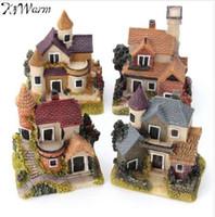 ingrosso case in miniatura da fiaba-NOVITÀ Cute Mini Resina House Miniature House Fairy Garden Micro Landscape Home Garden Decorazione Resina Artigianato 4 stili Colore Casuale