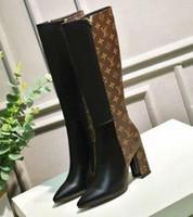 gebrandte lange stiefel großhandel-2019 Marke Schwarz Leder Knöchel lange Stiefel Frauen Spitz Brief High Heel Schuhe Frau Mode Runway lange Stiefel