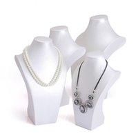 display weißes kunstleder großhandel-Silber Weiß Kunstleder Halskette Ausstellungsstand Hohe Büste Halsform für Große Halsketten Ketten Fenster Regal Showcase Zeigt Luxus