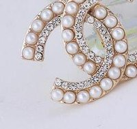 Wholesale 14k Pearl Brooch - Brand Designer Crystal Pearl Letters Corsage Brooch Lapel Pins Women Girl Wedding Party Jewelry Clothing Accessory