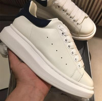 Wholesale muffin shoes - Mens Womens Casual Shoes Summer Breathable Sneaker Engraved Leather Paris White Shoes Muffin Sports Sneakers Flat Leather