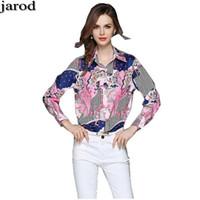 camisa de seda mangas de sopro venda por atacado-Shirts Moda feminina 2018 Primavera Novos Luxo Mulheres Imprimir lapela Mulheres Designer Floral Impresso Blusa