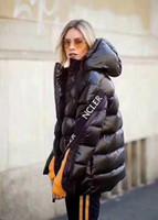 mulheres mais quentes jaquetas para o inverno venda por atacado-M561 Senhoras Casaco de Moda venda quente mulheres jaqueta casaco de inverno espessamento Feminino Roupas capuz para baixo jaqueta
