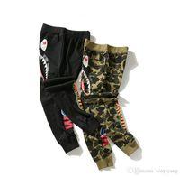 pantalones de chándal fino al por mayor-2018 nuevos hombres de camuflaje pantalones casuales impresión de tiburón pantalones delgados amante del pantalón pantalones casuales hip hop