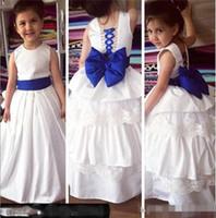 niñas corset niños al por mayor-2019 Vestidos sencillos para niña de flores para la boda con Bow A Line Lace up corset Vestidos para niños pequeños Vestido formal para adolescentes