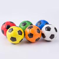 juguetes de espuma de estrés al por mayor-6.3 cm Fútbol Imprimir Esponja Espuma Juguetes Suave PU Fidget Stress Noverty Fútbol Descompresión Deporte Juguetes Niños Adultos Regalos FFA161 120pcs