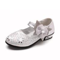 ingrosso scarpe scintillanti rosa per bambini-Principessa Kids Leather Shoes For Girls Flower Casual Glitter Bambini Scarpe da donna Butterfly Knot Blue Pink Silve