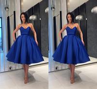 kırmızı kılık kokteyl elbiseleri toptan satış-Yeni Tasarımcı Kraliyet Mavi Basit Gelinlik Modelleri 2018 Kokteyl Elbiseleri Balo Sevgiliye Backless Kırmızı Halı Pist Pageant Parti Elbiseler