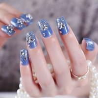 pegar las uñas azules al por mayor-Venta caliente 24 unids Fashion Blue Series Fake Nails Novia Brillo de Uñas Postizas Nail Tips con Pegamento Nails Art Floral Pegatinas Decoraciones
