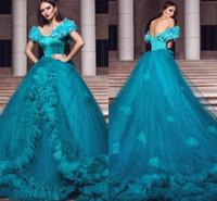vestido de noche largo aqua al por mayor-Hermoso hecho a mano Aqua Quinceanera Dresses 2018 vestido de bola fuera de hombros Backless Vestidos largos vestidos de noche acanalado dulce 16 vestidos
