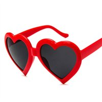 ingrosso donne occhiali da sole belli-Cute Heart Sunglasses Donna Luxury Lovely a forma di occhiali da sole Occhiali da donna rossi rosa neri