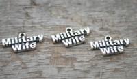 colgante de la esposa al por mayor-15pcs / lot - encantos militares de la esposa, colgante militar de plata antiguo del encanto de la esposa 19x11m m