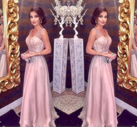 selena gomez vestidos hechos al por mayor-Blush Pink Vestidos de noche 2019 Una línea de espaguetis con cuello en V Mayores rebordear Larga gasa Fiesta de baile Alfombra roja Niñas Vestidos de desfile Baratos