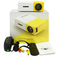 pequenos projetores usb venda por atacado-Projetor portátil YG300 LED 400-600LM 3.5mm de Áudio 320x240 Pixels YG-300 HDMI USB Mini Projetor Home Media Player venda quente