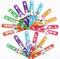 schnappverschlüsse großhandel-Heiße Mischfarbe Umwelt Einhorn Stile Flexible PVC Slap Snap Wrap Armband Armband Schmuck Kinder Nettes Geschenk