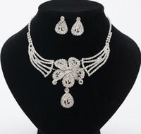 ingrosso insieme bianco della collana del rhinestone-squisito fiore collana di cristallo nuziale strass bianco mosaico abito da sposa gioielli orecchini donna collana set di gioielli