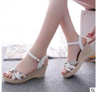 cuñas coreanas tacones sandalias al por mayor-2018 verano nueva moda dulce versión coreana de una hebilla palabra impermeable plataforma tacón alto boca de pescado sandalias de cuña zapatos de mujer