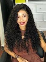 larga peluca rizada natural al por mayor-Comercio al por mayor natural 1b # negro marrón flojo rizado pelucas largas con pelucas delanteras del cordón del pelo del bebé Glueless para mujeres negras