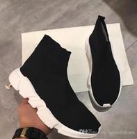 резиновые сапоги оптовых-Название бренда высокое качество мужская Повседневная обувь плоские модные носки сапоги женщина новый скольжения на эластичной ткани скорость тренер Бегун человек обувь открытый