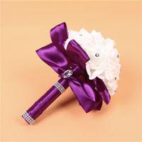 cores rosa flor azul venda por atacado-Elegante rosa artificiais flores de noiva bouquet de noiva buquê de casamento de cristal azul royal fita de seda novo buque de noiva 7 cores 25 * 20 cm