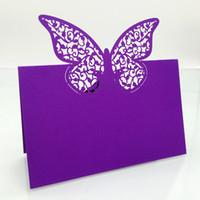 lila hochzeitsplatzkarten großhandel-120PC / Los Purple Laser Cut Rebe Blume Schmetterling Hochzeit Tisch Name Tischkarten Favor Souvenirs Casamento Hochzeit Dekor