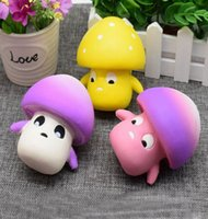 ingrosso giocattoli di pane-Jumbo Squishy Slow Rising Super Soft Mushroom Squishy Toy Cheap Squishy Decompression Bread Alleviare lo stress DDA97
