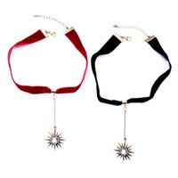gargantillas de cristal rojo al por mayor-Trendy Crystal Stars colgante Red Black Ribbon Gargantilla Collar Venta caliente Mujeres Accesorios de la joyería