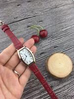 ingrosso marche di lusso di acqua-Top Brand Fashion Women Luxury Watch Bracciale in pelle orologio al quarzo Abiti da polso per ragazze da donna Resistente all'acqua Montre Femme