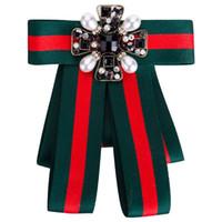 broches antiques achat en gros de-Luxe exagéré Big Bow Broches Antique strass noir et perles Bijoux Broches Femmes Suit Pins Mode Bijoux