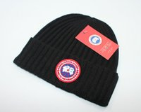 sombreros de lana de buena calidad al por mayor-Caliente Nueva Buena Calidad Marcas de Lujo Otoño Invierno Unisex sombrero de lana de moda Sombreros carta informal Para Hombres mujeres de diseño gorro Envío gratis