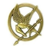 Wholesale wedding arrow - Hot Movie The Hunger Games Mockingjay Pin Gold Plated Bird and Arrow Brooch Gift