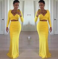 zwei sexy enge kleider großhandel-Sexy afrikanische schwarze Mädchen 2019 gelbe Abschlussball-Kleider mit langen Ärmeln zwei Stücke feste formale reizvolle Abend-Kleid-Partei-Kleid billig