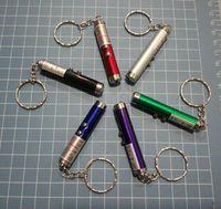 ring zeigt großhandel-DHL Red Laserpointer Schlüsselanhänger mit weißem LED-Licht Zeigen Tragbarer Infrarot-Stick Lustige Katzen Haustier Spielzeug Großhandel