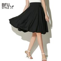 falda de enagua hasta la rodilla negra al por mayor-Midi Skirt Summer Women cintura alta plisada una línea skater patinador Casual longitud de la rodilla Saia Enagua negro blanco otoño Vestidos