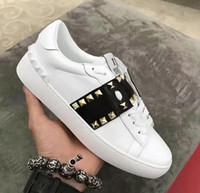 bayanlar için spor ayakkabıları toptan satış-Hakiki Deri Metal Spike Lady Konfor Rahat Elbise Ayakkabı Spor Sneaker Rahat Deri Ayakkabı Kişilik Bayan Yürüyüş Trail Yürüyüş