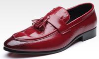 zapatos únicos para hombre de diseño al por mayor-Zapatos de vestir para hombre Cocodrilo Grano holgazán tamaño grande para hombres zapatos de trabajo elegante para hombre zapatos únicos de diseño casual zapatos de conducción para Hombres zy10