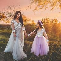 çiçek aplike gelin elbisesi toptan satış-Prenses Işık Mor Düğün Çiçek Kız Elbise Küçük Gelin Uzun Pageant Elbise Kızlar için Glitz Puf Tül Balo Elbise Fildişi Dantel Aplike
