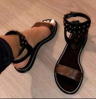 Wholesale vamp shoe heel online - New European style luxury classic men and women Unisex sandals fashion shoes vamp solid metal belt buckle comfort letter decoration