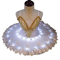 beyaz çocuk dans elbisesi toptan satış-Profesyonel Sequins Küçük Kuğu LED beyaz bale dans tutu elbise Çocuk kız performans elbise için