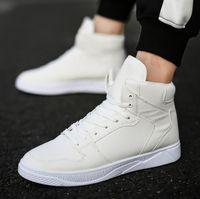precio de las botas de los hombres negros al por mayor-Nuevas botas de invierno, botas blancas, zapatos de hombre de la moda coreana negro a prueba de agua, cordones zapatos deportivos con precio al por mayor