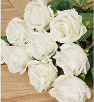 vase de fleurs toucher réel achat en gros de-Plastique 6 PCS Artificielle Faux Fleurs Real Touch Rose Mariée Mains Tenant Une Fleur De Mariage Bouquet De Mariée Décorations Pour La Maison (sans vase)