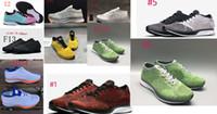 zapatos marrones estilo hombres al por mayor-Lo nuevo STYLES racer hombres mujeres zapatos casuales transpirable corredores zapatos al aire libre 36-45 negro blanco ROJO verde gris azul marrón