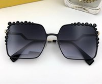 Wholesale popular designs - Luxury 0051 Sunglasse For Women Design Popular Sunglasses Charming Fashion Top Quality UV Protection Silver Sunglasses Come With Package