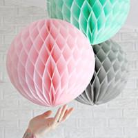 linternas de papel de colores al por mayor-Bolas de papel decorativas coloridas Decoraciones del partido del pañuelo Honeycomb Pompom Lantern Craft Wedding Event Supplies Venta caliente 2 5xh Z