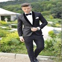 ingrosso colletto di bowtie-Smoking dello sposo nero su misura Slim Fit Best Groomsman Suit Scialle Colletto Men Prom Suit Abiti da sposa economici Bridegroom (Jacket + Pants + Bowtie)