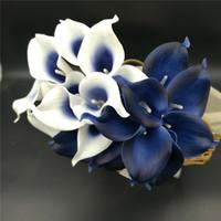 décorations bleu marine achat en gros de-Nouvelle Décoration Chaude Fleurs Bleu Marine Picasso Calla Lilies Réel Toucher Fleurs Pour Bouquets De Mariage Centres